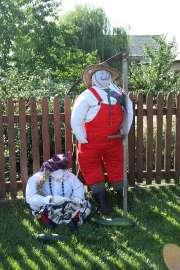 Dożynki Gminne Święcia 2011: Zdjęcie przedstawia dekoracje dożynkowe