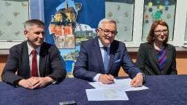 Podpisanie umowy Plastuś