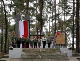 Pomnik Biała 19_1