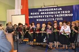 UTW Rychwał: zdjęcie przedstawia grupę ludzi